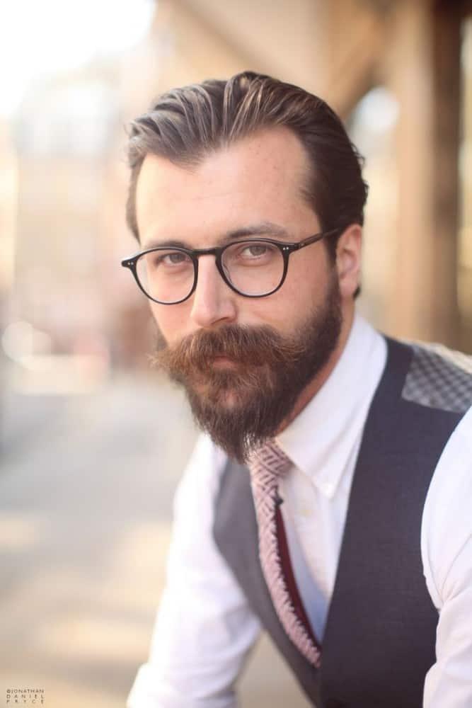 Casual Full Beard Style 12