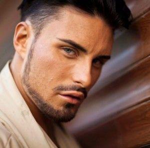 Evergreen-Chinstrap-Beard-Styles-for-Men-32-min 100 Trendy Chin Strap Beard Styles to Copy