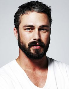 patchy beard style