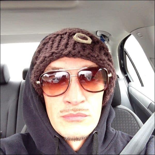 thin mustache
