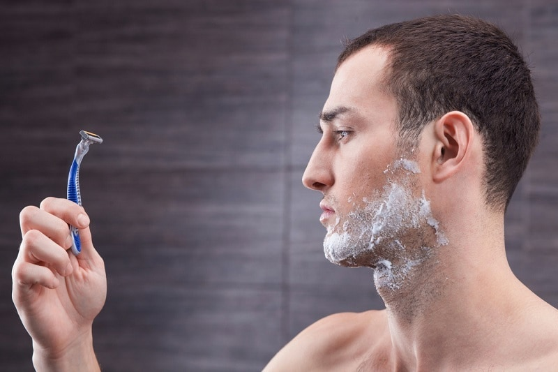 shave-razor-beard 'Women Love The Bearded Guys' - 9 FOR and AGAINST Arguments