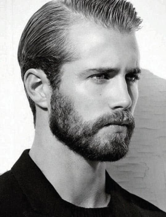 guy-with-short-cool-beard-styles 70 Coolest Short Beard Styles for Men