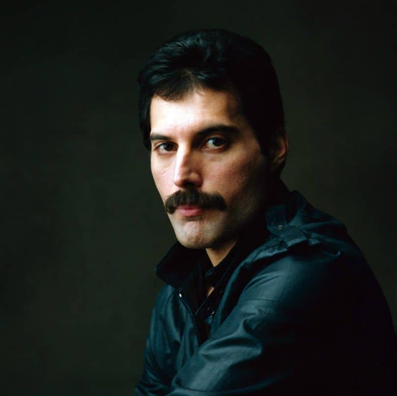 queen-freddie-mercury1 What A Chevron Mustache Really Looks Like + Top 5 Styles