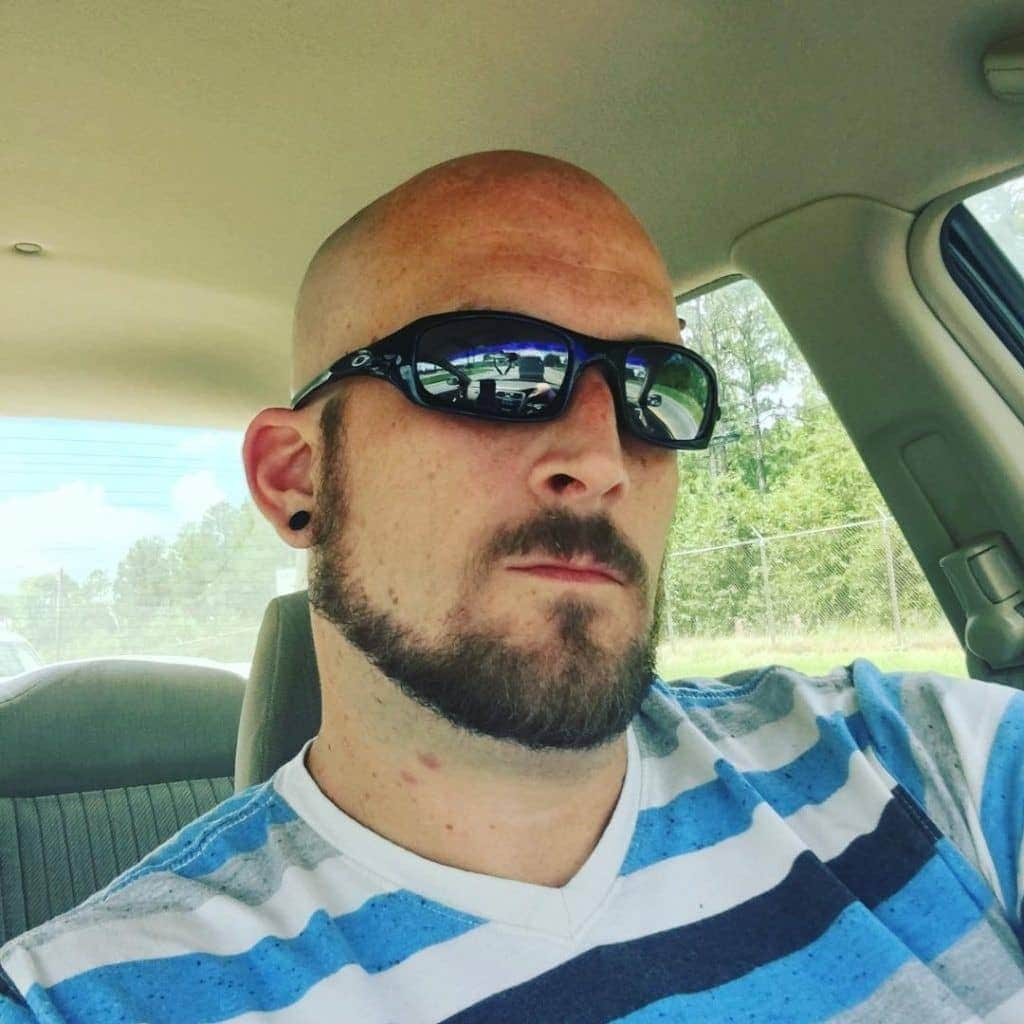 Thin-and-Thick-Chin-Strap-min 100 Trendy Chin Strap Beard Styles to Copy