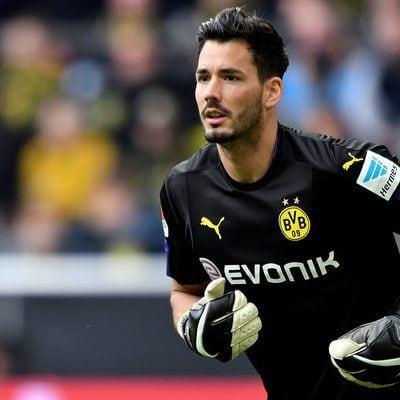 Roman Buerki soccer player beard style