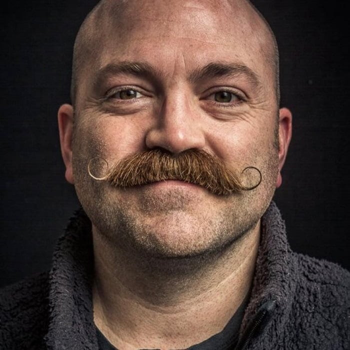 handlebar-mustache-1 40 Best Handlebar Mustache Styles to Look Sharp