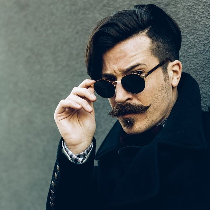 short-beard-with-long-mustache-2 7 Awesome Short Beard Styles With A Long Mustache