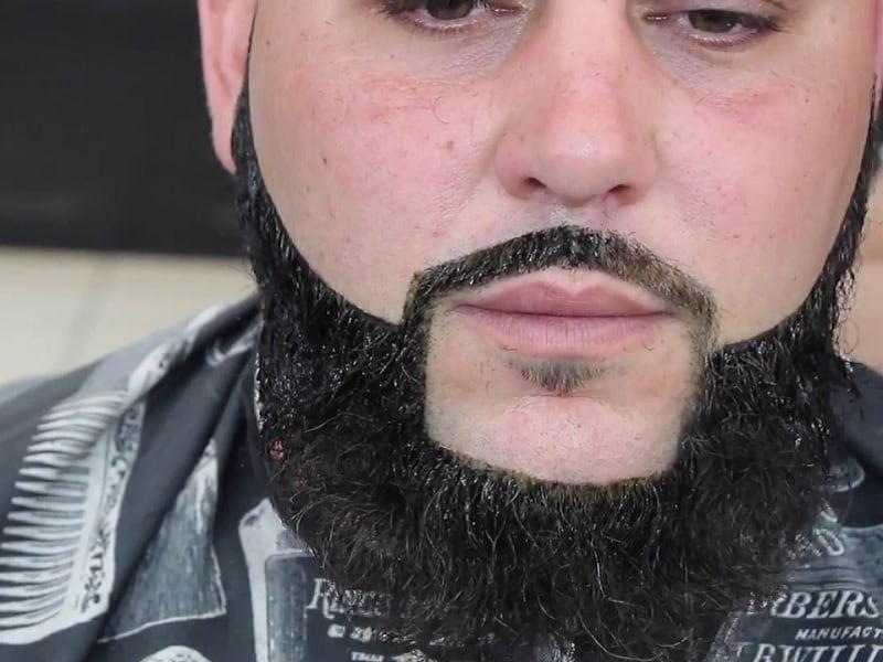 beard dyeing