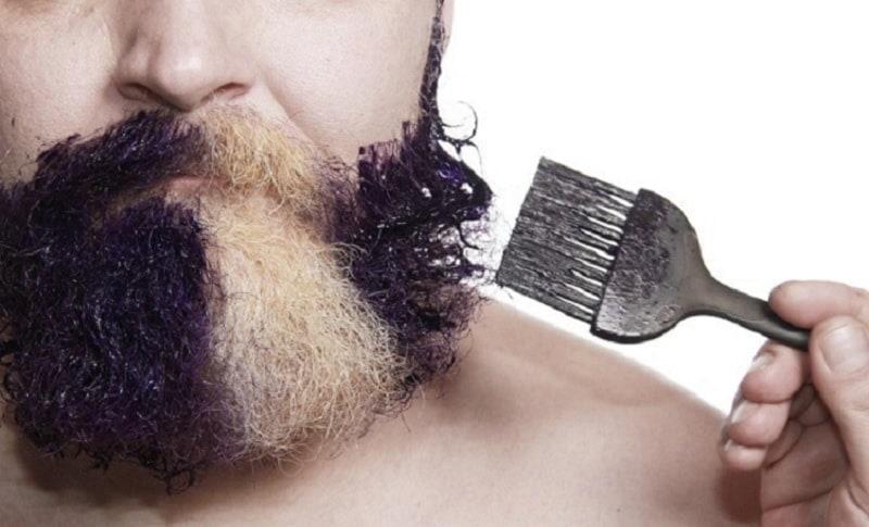 dyeing-beard-3 Beard Coloring Guide: How to Dye & Top 5 Beard Dyes