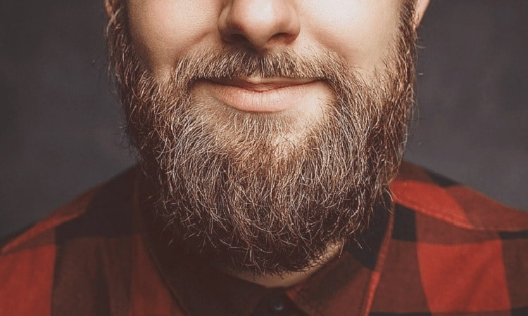 dyeing-beard-5 Beard Coloring Guide: How to Dye & Top 5 Beard Dyes