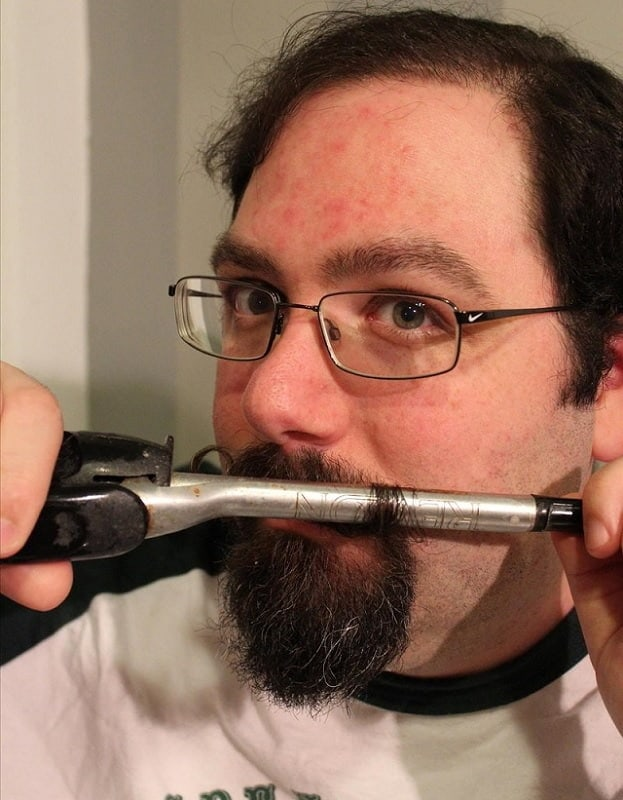 how-to-curl-mustache-5 How to Curl A Mustache In 4 Easy Steps