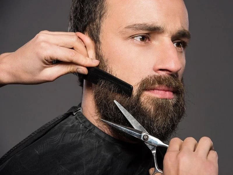 trimming-beard-1 Beard Coloring Guide: How to Dye & Top 5 Beard Dyes
