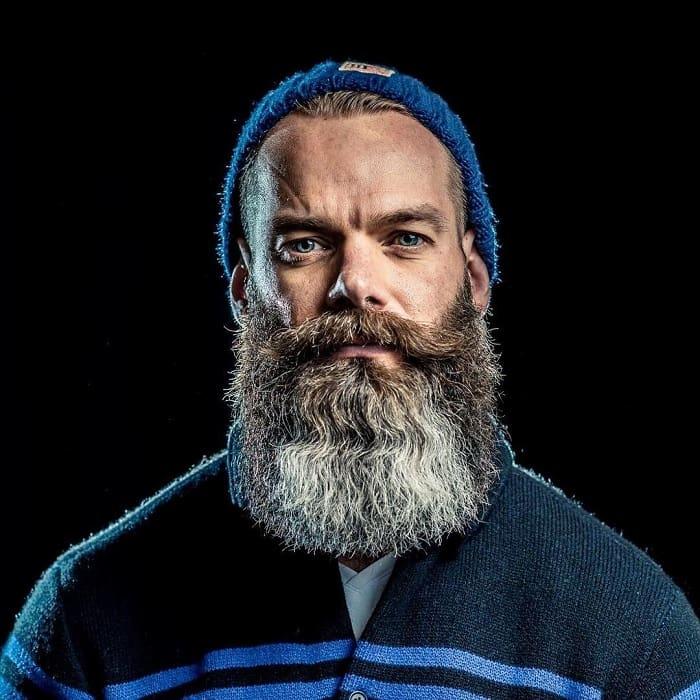 salt-and-pepper-beard-styles-10 21 Classic Salt and Pepper Beard Styles (2020)