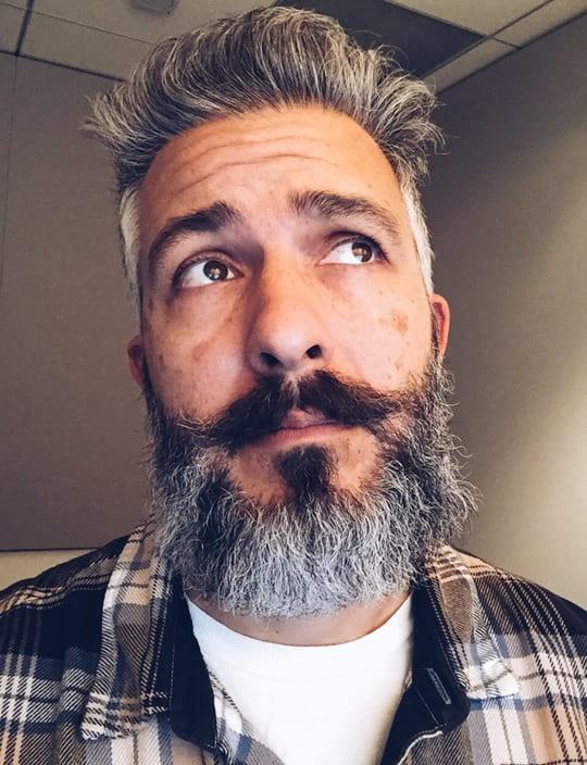 salt-and-pepper-beard-styles-20 21 Classic Salt and Pepper Beard Styles (2020)
