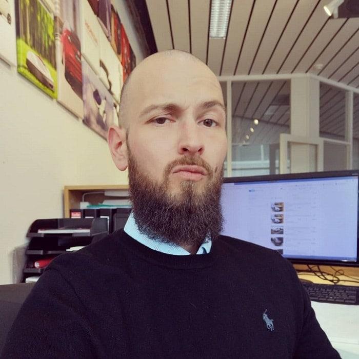 medium boxed beard