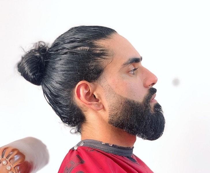 medium faded beard