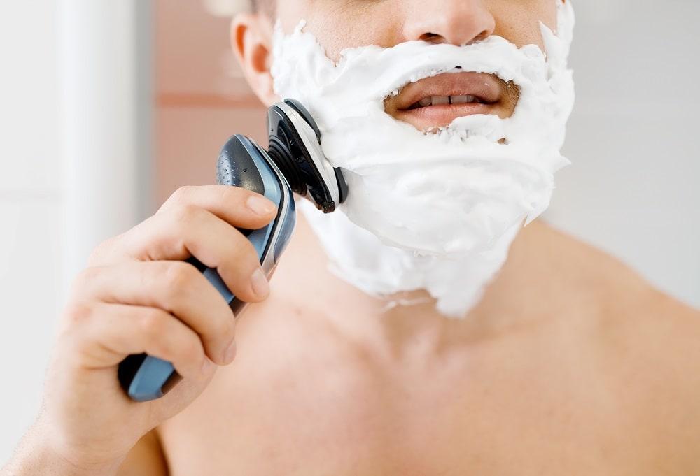 shaving with electric razor and shaving cream