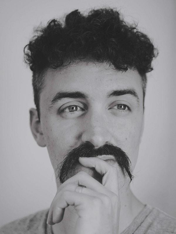 Natural Bushy Horseshoe Mustache