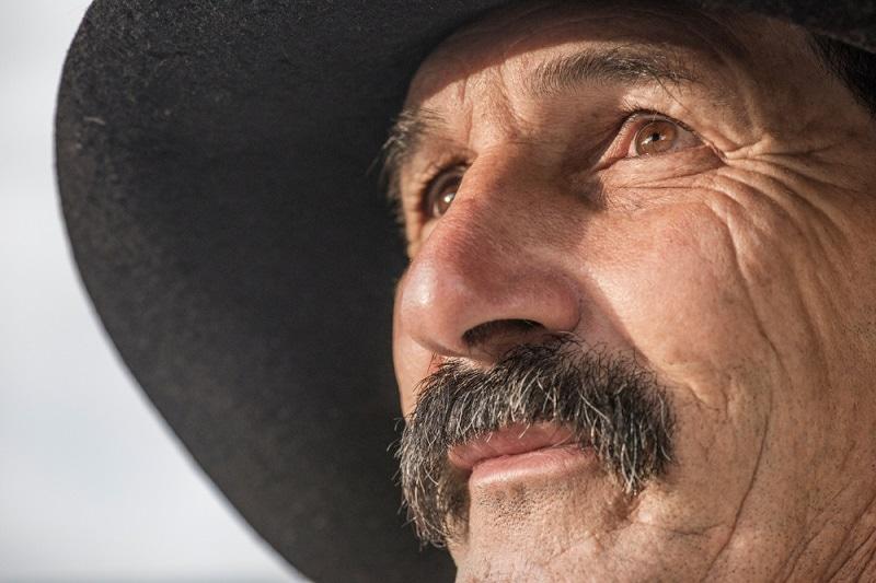 Short and Bushy Horseshoe Mustache