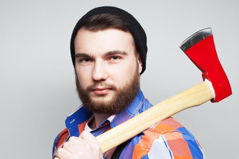 lumberjack beard for round face