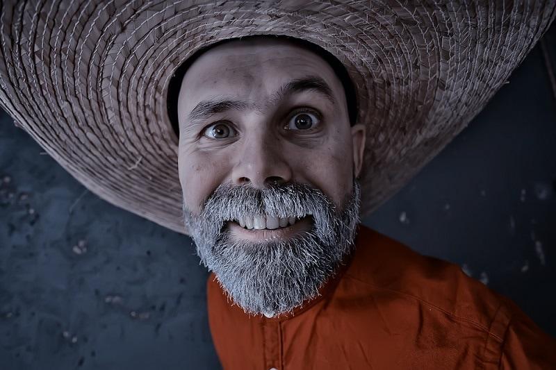 white full beard for round face